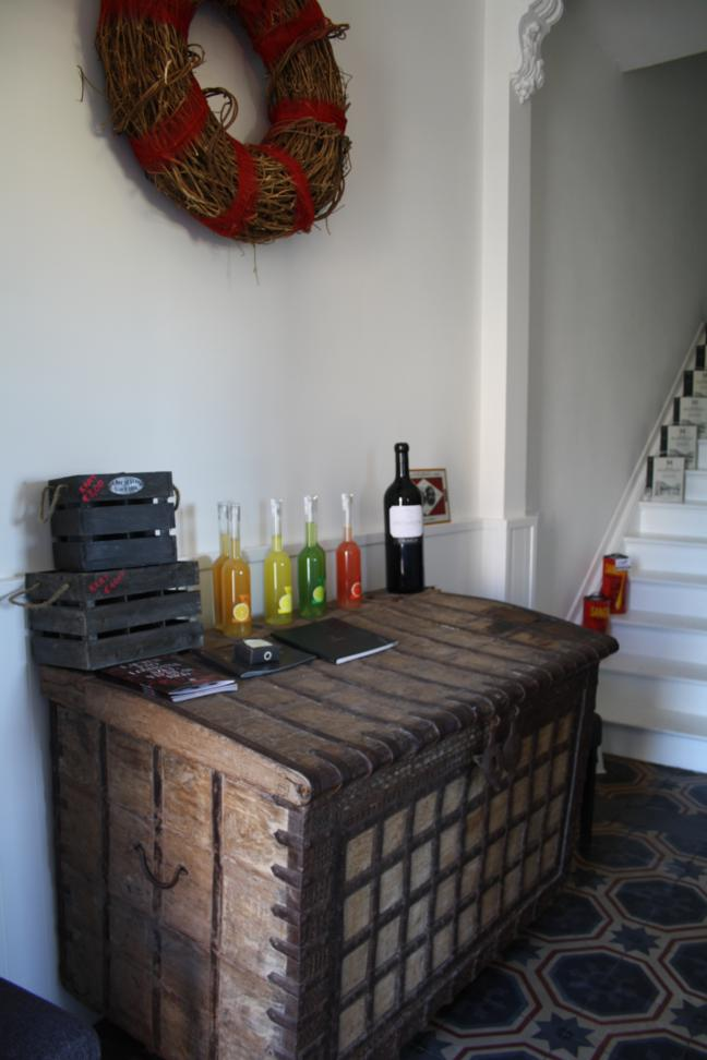http://www.greenroom.be/images/bar-store/interieur15.jpg